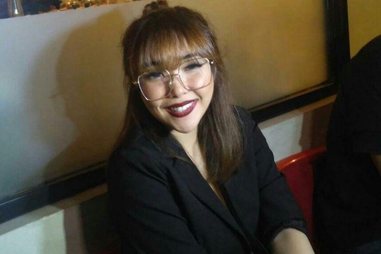 Penyanyi Gisella Anastasia saat ditemui dalam sebuah acara amal di kawasan Kemang, Jakarta Selatan, Senin (3/12/2018).
