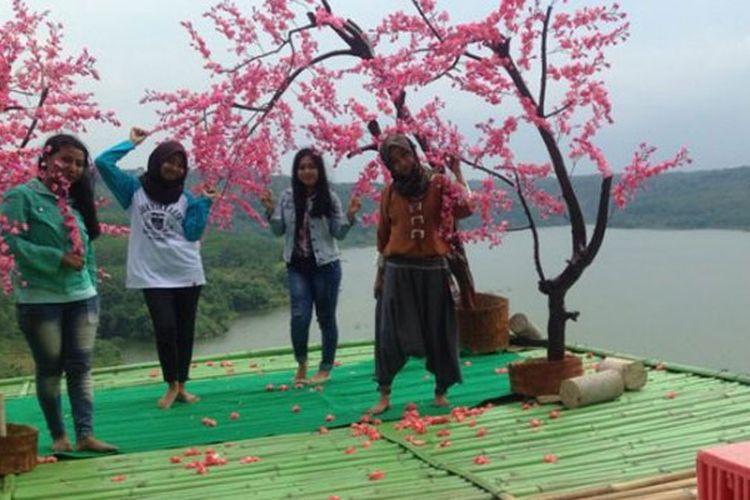 Dua Spot Foto Yang Diburu Wisatawan Di Desa Wisata Kandri Semarang