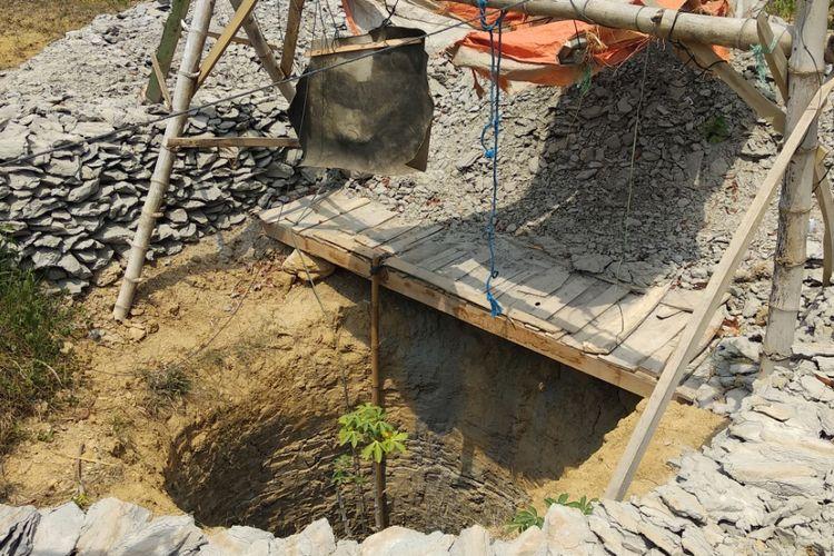 Salah satu sumur di Desa Palenggien yang dijadikan warga untuk mencari air.