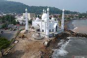 Belum Beroperasi, Masjid Ikon Wisata Halal di Padang Terancam Abrasi
