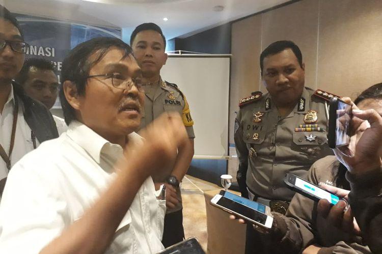 Staf Badan Pengatur Jalan Tol Kementrian PUPR RI, Ch. Kornel M.T Sihaloho usai melakukan koordinasi terkait amblasnya jembatan penghubung antara Lampung dan Sumsel, Selasa (18/6/2019).