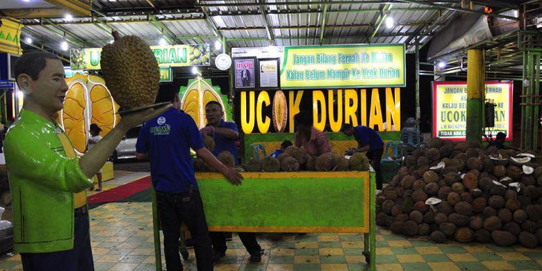 Ucok Durian, salah satu tempat kuliner yang diburu wisatawan di Kota Medan, Sumatera Utara, Rabu (21/3/2018).