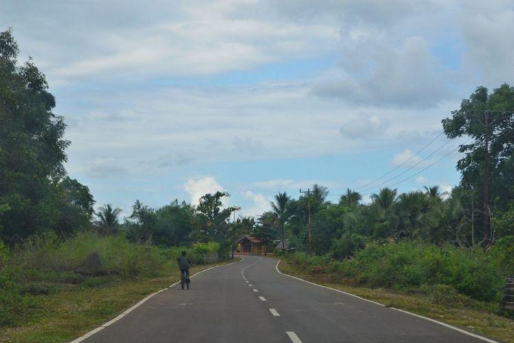 Jalur pantai selatan (pansela) Jawa sepanjang 1.405 kilometer memiliki banyak obyek wisata menarik yang bisa dikunjungi.