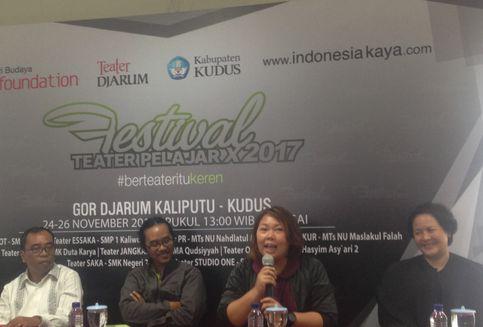 Sita Nursanti hingga Inayah Wahid Peduli Teater Pelajar
