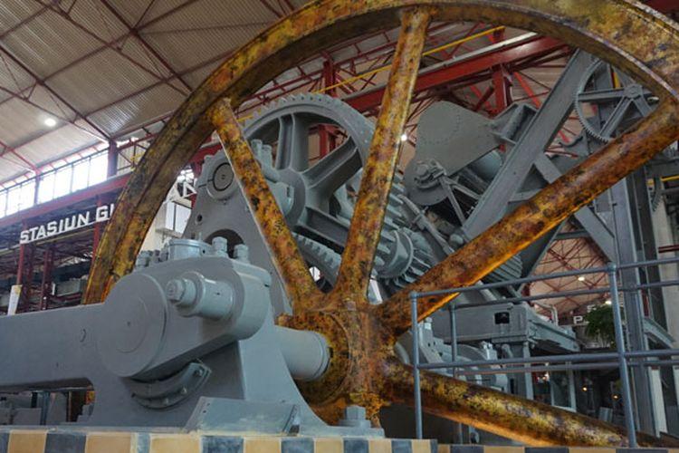 Mesin tua yang masih dipertahankan di De Tjolomadu
