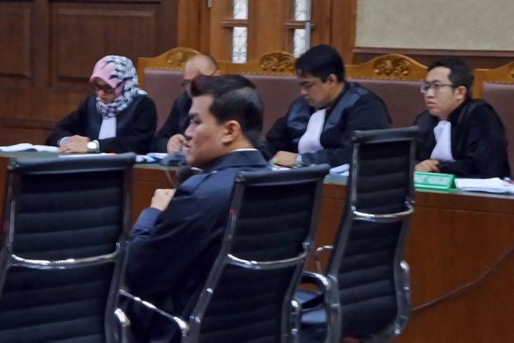 Andi Agustinus alias Andi Narogong duduk di kursi terdakwa di Pengadilan Tipikor Jakarta, Kamis (30/11/2017).