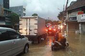 Sempat Lumpuh karena Banjir, Jalan Jatinegara Barat Sudah Bisa Dilalui