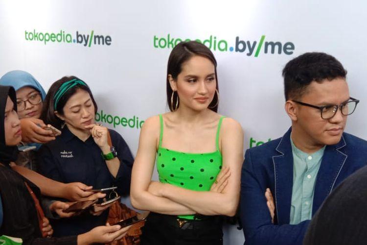 Cinta Laura dalam wawancara di Tokopedia Tower, Setiabudi, Jakarta Selatan, Senin (22/4/2019).