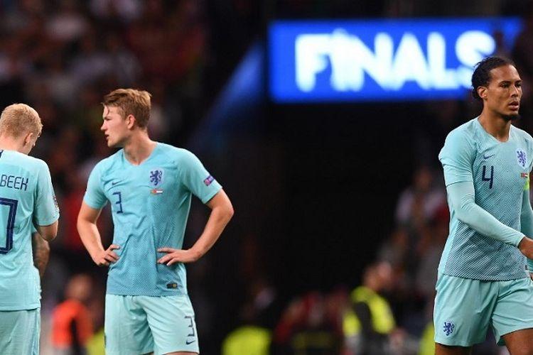 Reaksi bek Belanda Virgil van Dijk dan rekan setim atas kekalahan di final UEFA Nations League antara Portugal vs Belanda di Stadion Dragao di Porto pada 9 Juni 2019.