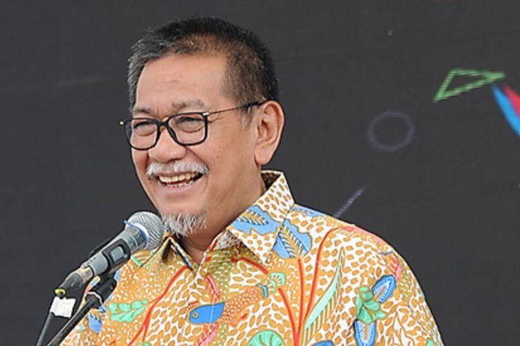 Wakil Gubernur Jawa Barat Deddy Mizwar membuka Cooperatif Fair 2017 di Bandung. Perkembangan e-commerce di Indonesia mesti melibatkan pelaku usaha mikro kecil dan menengah sebagai pelaku usaha di tingkat global.