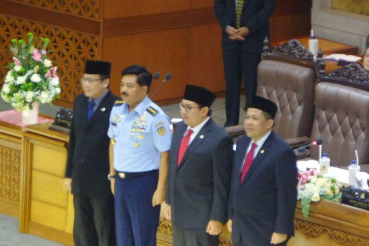 Dewan Perwakilan Rakyat mengesahkan pencalonan Marsekal Hadi Tjahjanto sebagai Panglima TNI dalam sidang paripurna, Kamis (7/12/2017) siang.