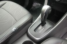 [POPULER OTOMOTIF] Seputar Mobil Transmisi Matik | Aturan Taksi Online