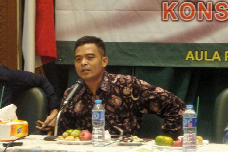 Ketua Bidang Hubungan dan Kajian Strategis PP GP Ansor Nuruzzaman dalam sebuah diskusi bertajuk Pembubaran HTI dan Amanat Konstitusi Kita di gedung PBNU, Jakarta Pusat, Senin (10/7/2017).