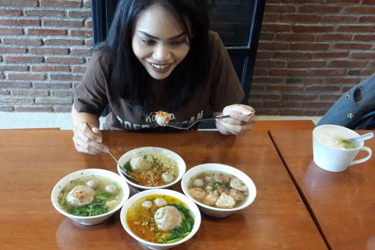 Berbagai menu Bakso Boedjangan yang ada di Kota Malang, Jumat (12/1/2018). Bakso yang berpusat di Bandung itu resmi merambah ke Kota Malang