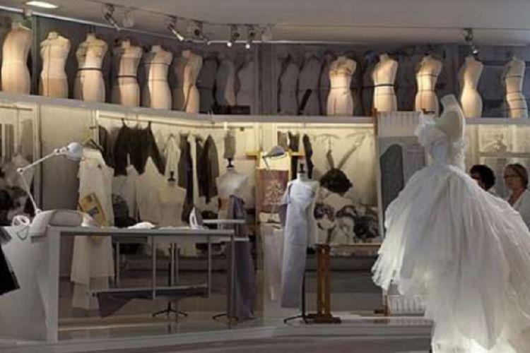 Kementerian Tenaga Kerja dan Transmigrasi berencana membuka jurusan fashion design di Balai Besar Pengembangan Latihan Kerja Semarang. Tingginya kebutuhan tenaga kerja pada industri garmen tekstil mesti diimbangi dengan pelatihan vokasi untuk meningkatkan keterampilan tenaga kerja.