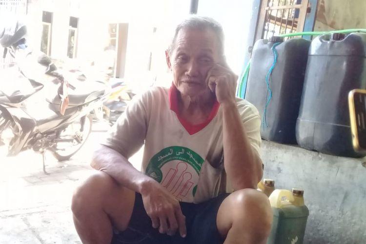 Kisah Safuan, Tukang Tambal Ban yang Berhasil Kumpulkan Uang untuk Dirinya dan Istrinya Berangkat Haji