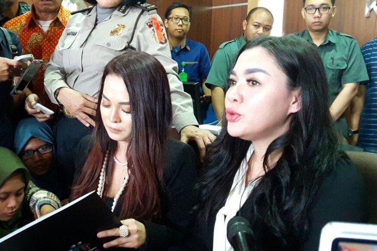 Vicky Shu menghadiri persidangan kasus First Travel di Pengadilan Negeri Depok, Jawa Barat, Rabu (14/3/2018).