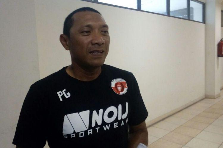 Pelatih Perseru Serui, Putu Gede.