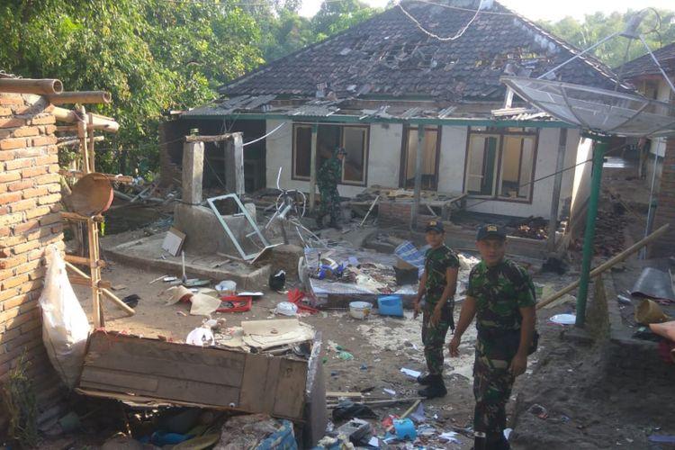 Pengungsi Ahmadiyah di Lombok Timur berharap bisa pulang dan puasa di rumah sendiri.