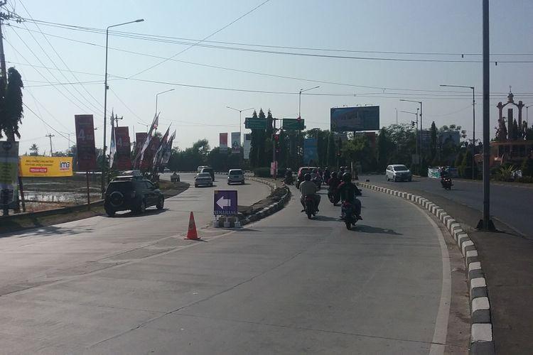 Arus lalu lintas yang masuk arteri Kaliwungu ke arah Semarang. Kompas.com / Slamet Priyatin