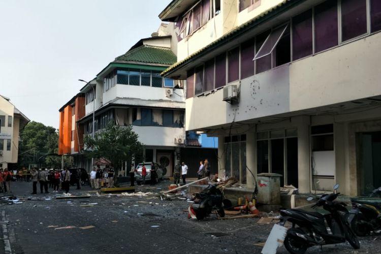 Lokasi ledakan di Ruko Grand Wijaya Center, Jalan Wijaya II, Kebayoran Baru, Jakarta Selatan, Kamis (12/7/2018).