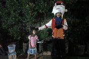 Cerita di Balik Badut Joget di Stasiun Pondok Cina...