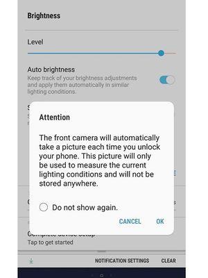 Tangkapan layar mode kecerahan layar dengan kamera depan di pembaruan firmware Samsung Galaxy J8.