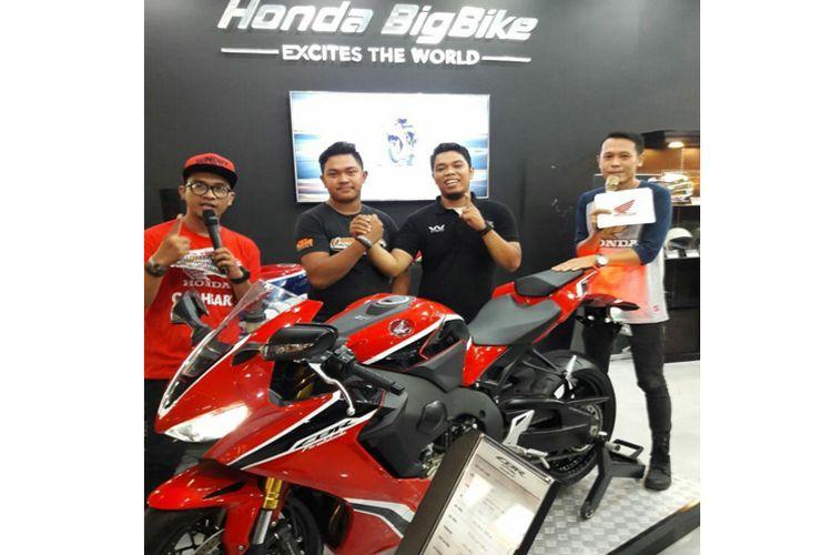 Honda CBR1000RR Fireblade dan konsumen asal Cileduk