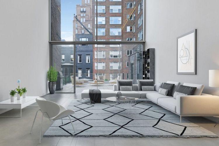 Rumah berkaca antipeluru di New York, Amerika Serikat, milik Eduardo Eurnekian.
