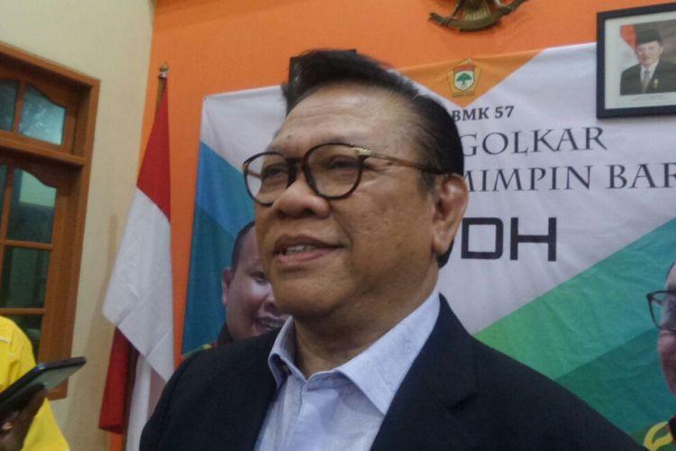 Ketua Dewan Pakar Partai Golkar Agung Laksono di Sekretariat Kosgoro, Jakarta Selatan, Rabu (22/11/2017).