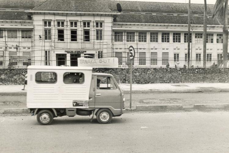 Fakultas kedokteran Universitas Indonesia (UI), dulunya merupakan asrama prapatan 10