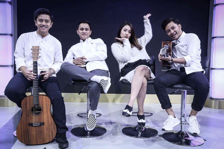 HiVi tampil dalam Selebrasi, Selebritas Beraksi, yang disiarkan Kompas.com secara live streaming di Kompas.com, Jakarta, Selasa (10/4/2018). HiVi mengenalkan singel terbarunya yaitu Remaja, singel terkini yang juga merupakan singel kelima dari album Kereta Kencan.