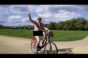 Politisi Inggris Ini Bersepeda Sambil Telanjang untuk Kampanye Amal