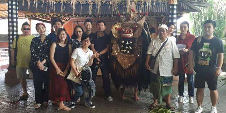 Kemenpar mengundang 7 media China ke Bali untuk mempromosikan Wonderful Indonesia, meningkatkan kunjungan wisman dari China sekaligus meyakinkan bahwa Bali aman untuk kunjungan wisatawan China.