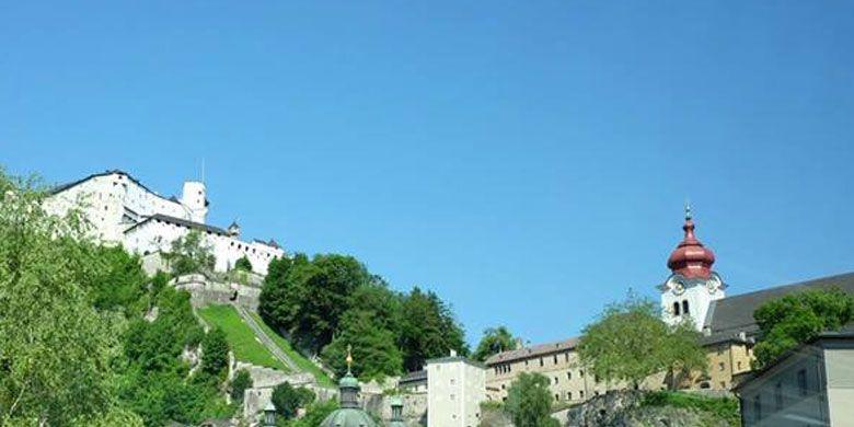 Biara Abbey di Salzburg, Austria. Salzburg memang terkenal sebagai salah satu tujuan wisata populer di Austria.