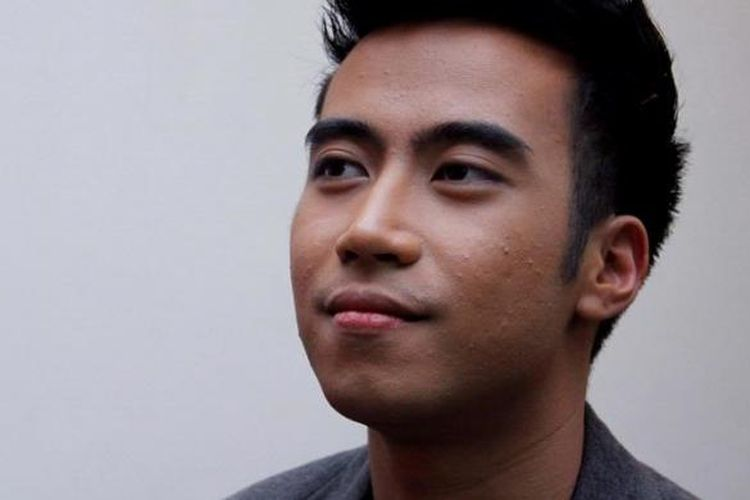 Penyanyi Vidi Aldiano hadir di Orange Studio, KompasTV, Palmerah, Jakarta Barat, Rabu (18/1/2012) malam.
