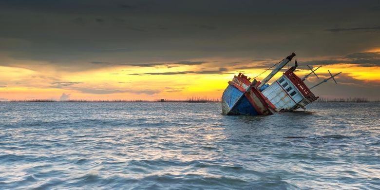 Kapal tenggelam.