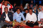 Duduk Lesehan, Sandiaga Nobar Debat Capres Bareng Warga di Bogor