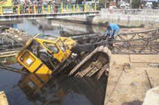 Kronologi Ambruknya Crane Pembangunan Turap Kali Sentiong