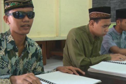 Mengisi Bulan Puasa, Siswa SLB Kemala Bhayangkari Trenggalek Mengaji Braile