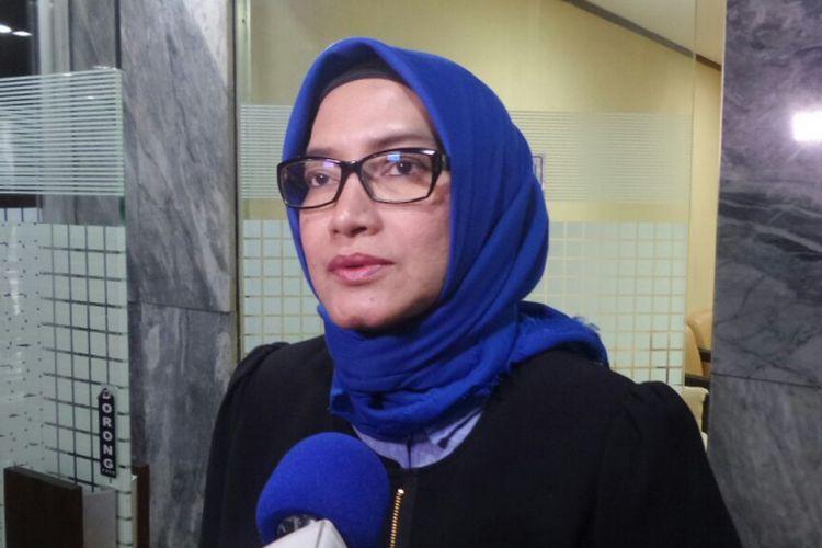 Komisioner Komisi Pemilihan Umum (KPU), Evi Novida Ginting di Kompleks Parlemen, Senayan, Jakarta, Selasa (22/8/2017).
