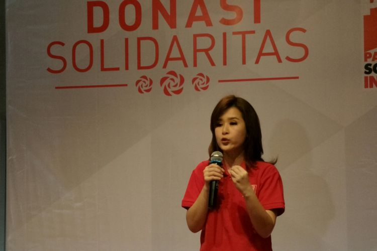 Ketua Umum DPP Partai Solidaritas Indonesia (PSI) Grace Natalie dalam acara penggalangan dana publik, bertajuk dana solidaritas di Metro Coffee, Jakarta Pusat, Jumat (19/1/2018).
