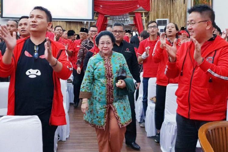Ketua Umum DPP PDI-P Megawati Soekarnoputri membuka sekolah partai untuk para calon anggota legislatif tingkat DPR RI. Acara sekolah caleg ini digelar di Kantor DPP PDI-P, Menteng, Jakarta Pusat, Kamis (15/11/2018).