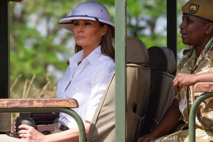 Pakai Helm Empulur saat ke Afrika, Melania Trump Tuai Kritik...