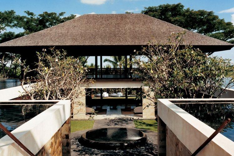 Menuju spa dan Yoga Pavilion di COMO Shambala Estate, Bali