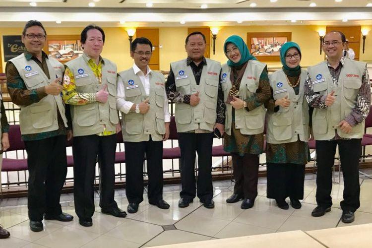 Mendikbud Muhadjir Effendy melepas secara simbolis Guru Garis Depan 2016 untuk ditugaskna ke daerah terluar, tertinggal, dan terpencil di seluruh Indonesia, Selasa (12/9/2017)