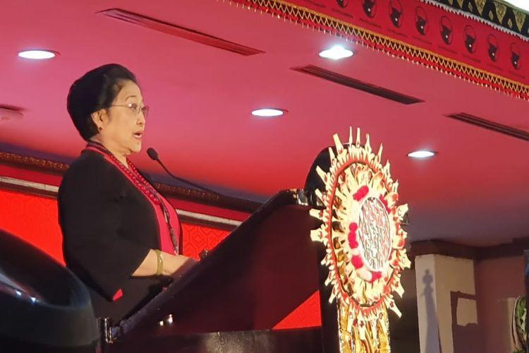 Ketua PDI-P <a href='https://jakarta.tribunnews.com/tag/megawati-soekarnoputri' title='MegawatiSoekarnoputri'>MegawatiSoekarnoputri</a> saat menyampaikan pidato politik di Kongres V PDI-P di Bali, Kamis (8/8/2019).