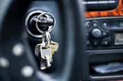 Panik, Anak Tertidur dan Terkunci di Dalam Mobil