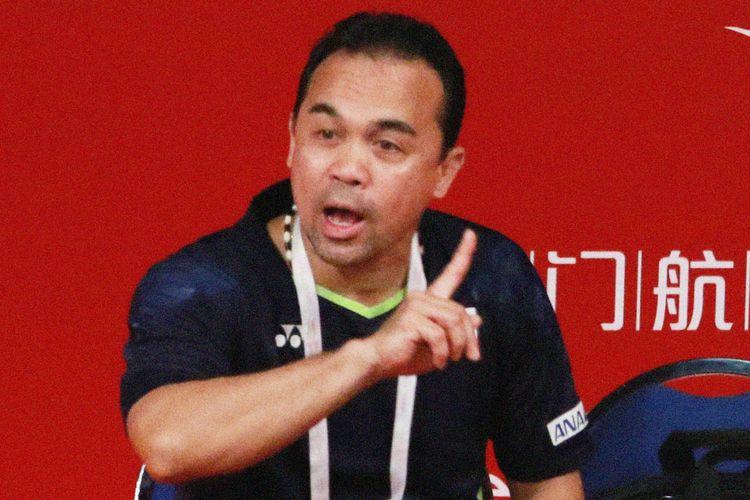 Pelatih tunggal putri Indonesia, Rionny Mainaky.