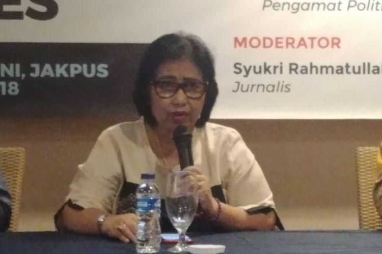 Juru Bicara Tim Kampanye Nasional Joko Widodo-Maruf Amin, Irma Suryani Chaniago, dalam sebuah diskusi di Jakarta, Jumat (14/9/2018).